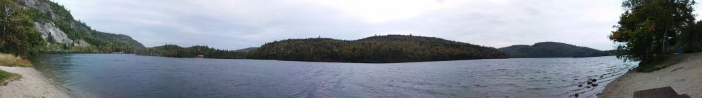 Zwischenhalt mit hübschem See