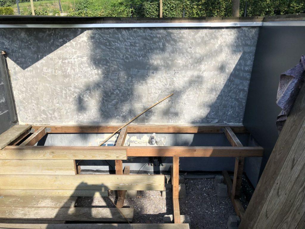 Vorbereitete Wand für die Schichtstoffplatte