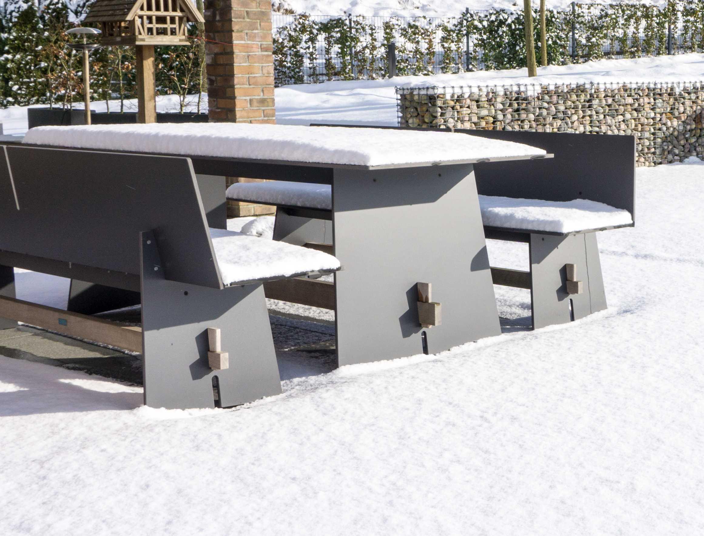 unser garten im winter. Black Bedroom Furniture Sets. Home Design Ideas